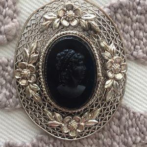 Jewelry - Cameo pin.